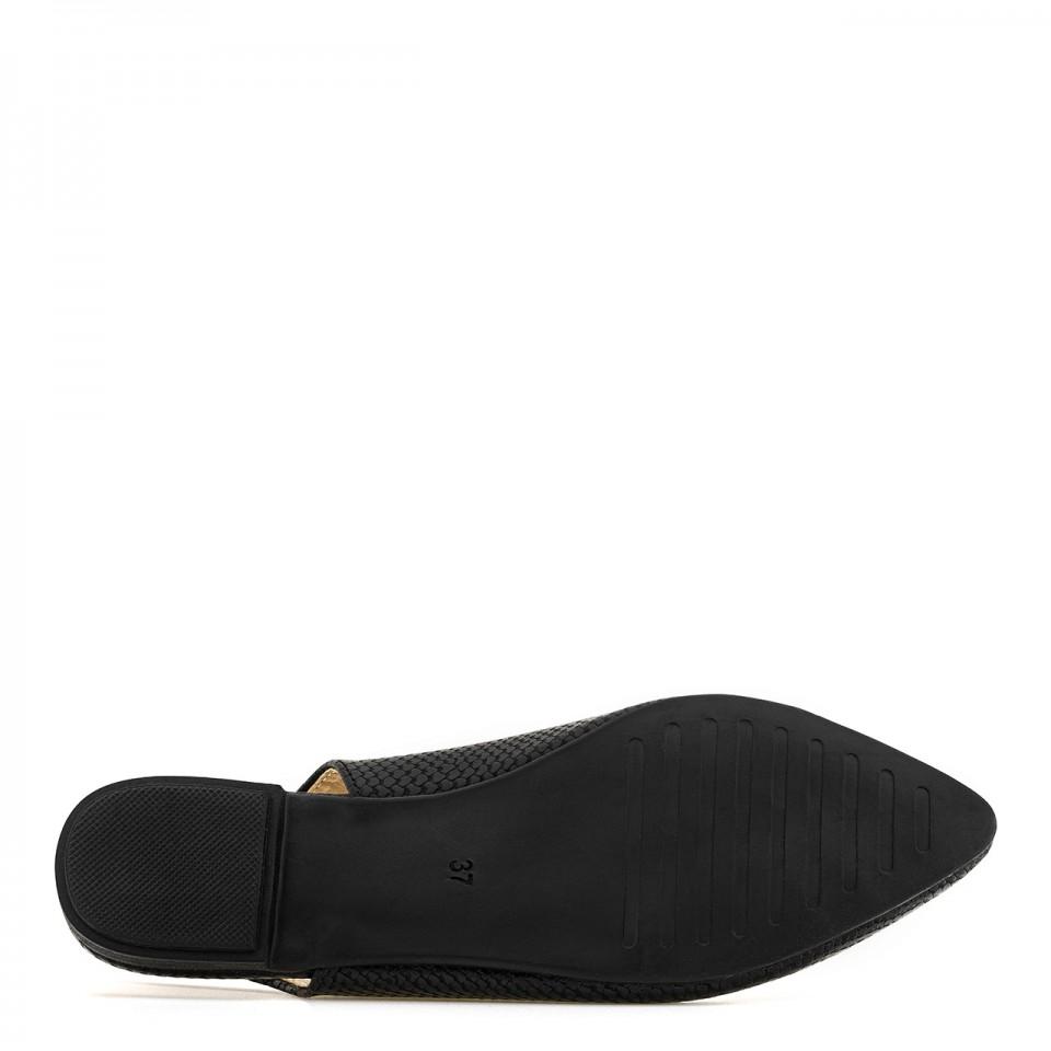 Wygodne balerinki na płaskiej podeszwie amortyzującej stopę od podłoża