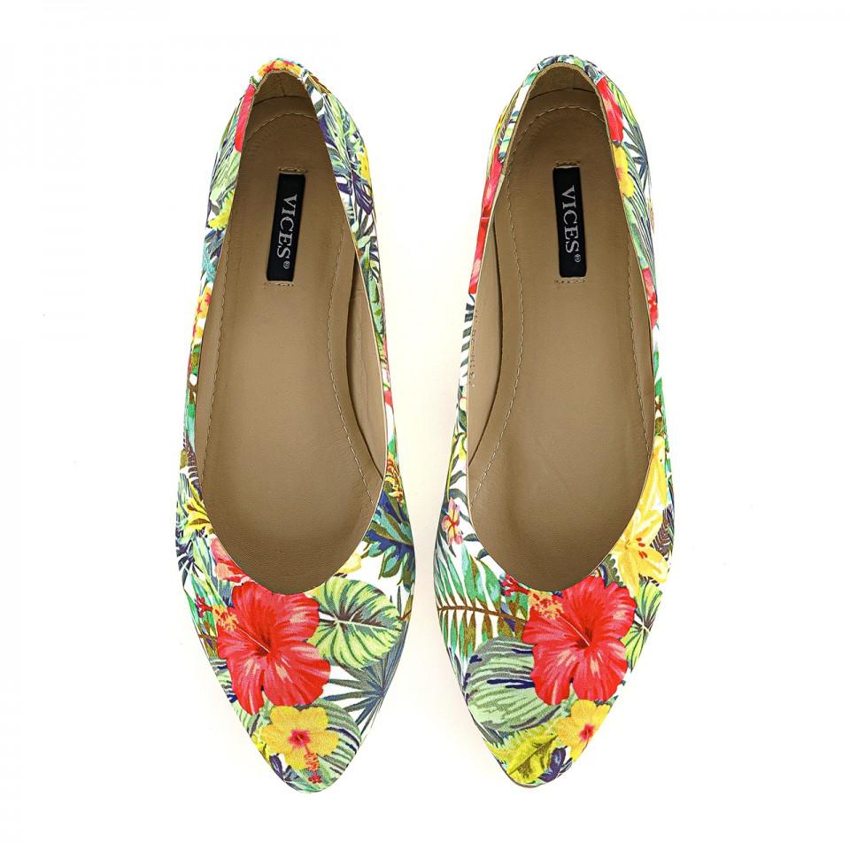 Baleriny na lato z tropikalnym wzorem w kwiaty