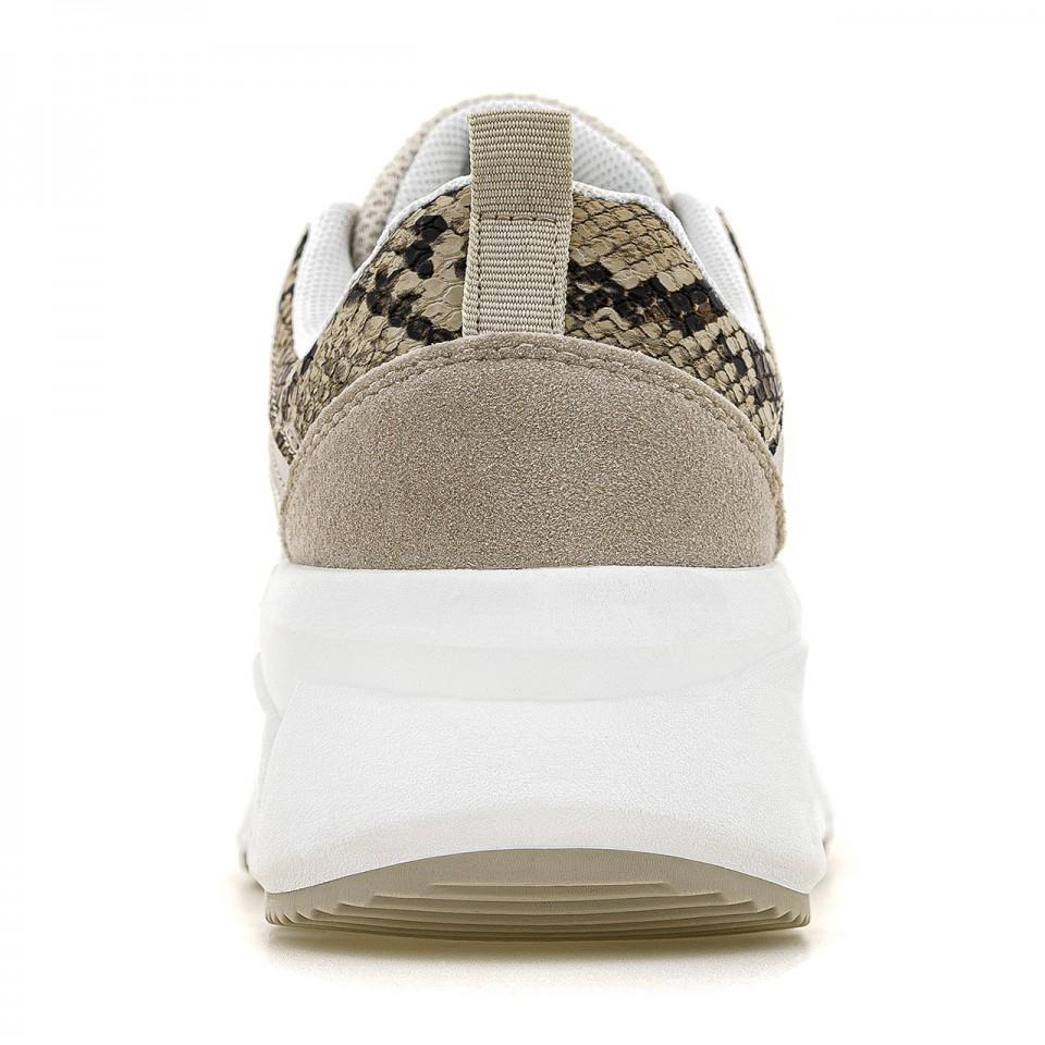 Beżowe sneakersy na wysokiej podeszwie ze wstawkami skóry węża