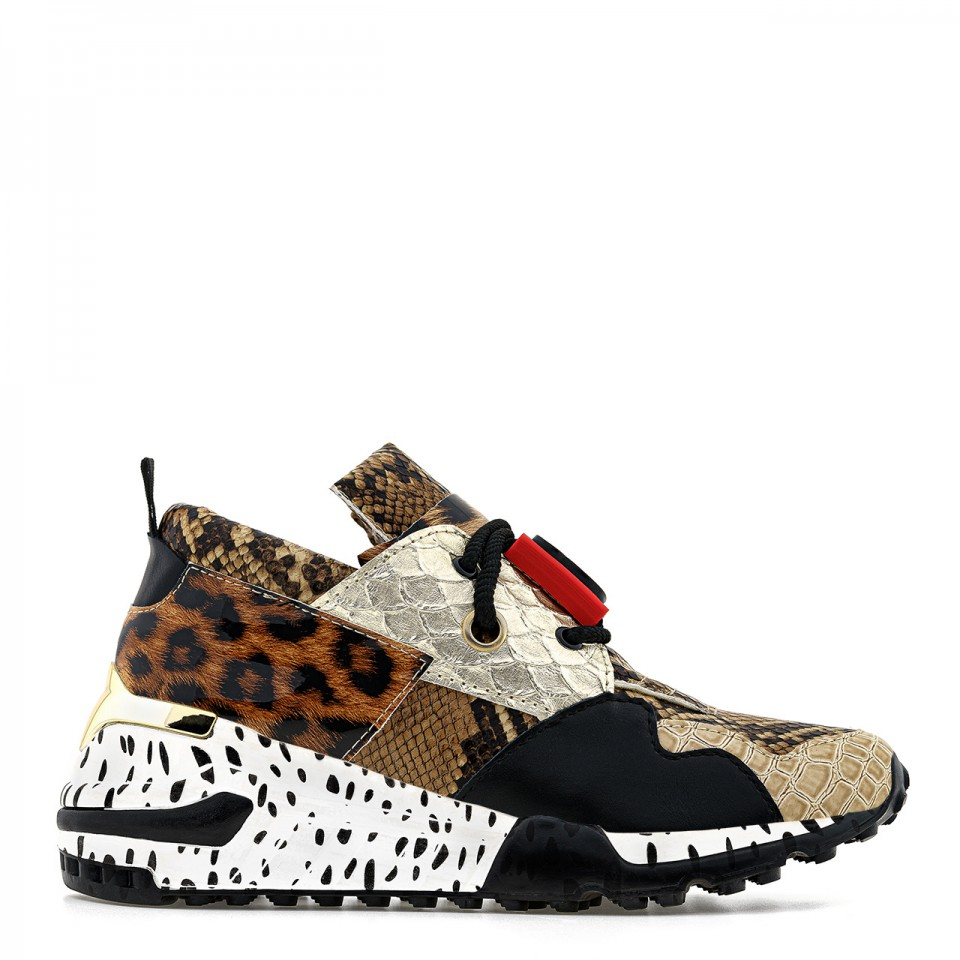 Brązowe sneakersy na wysokiej podeszwie ze zwierzęcymi wstawkami
