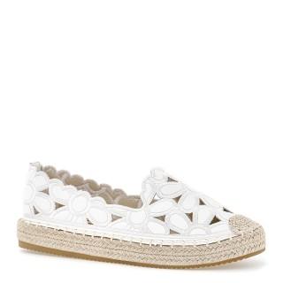 Białe ażurowe espadryle skórzane z kwiatowym haftem na grubej podeszwie