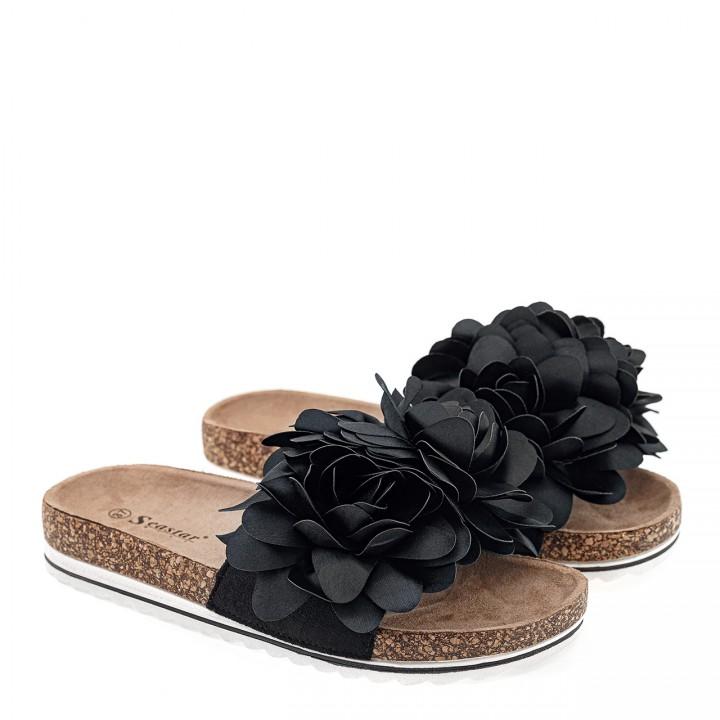 Czarne zamszowe klapki z materiałowymi kwiatami na grubej korkowej podeszwie