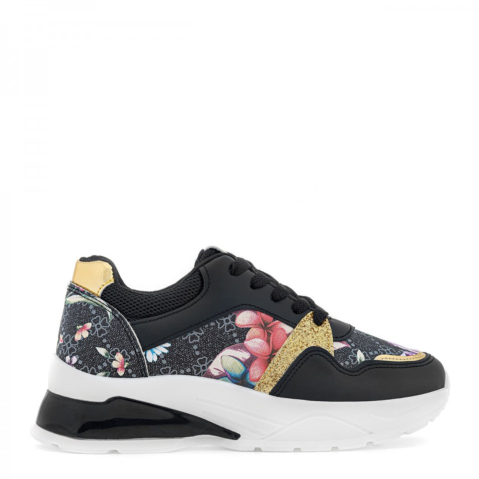 Czarne sneakersy damskie z motywem kwiatowym i złotymi wstawkami