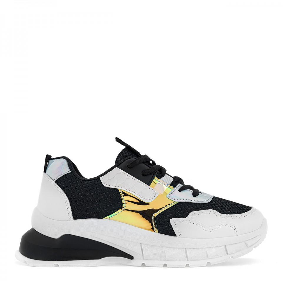 Czarno-białe buty sportowe z benzynowym zdobieniem