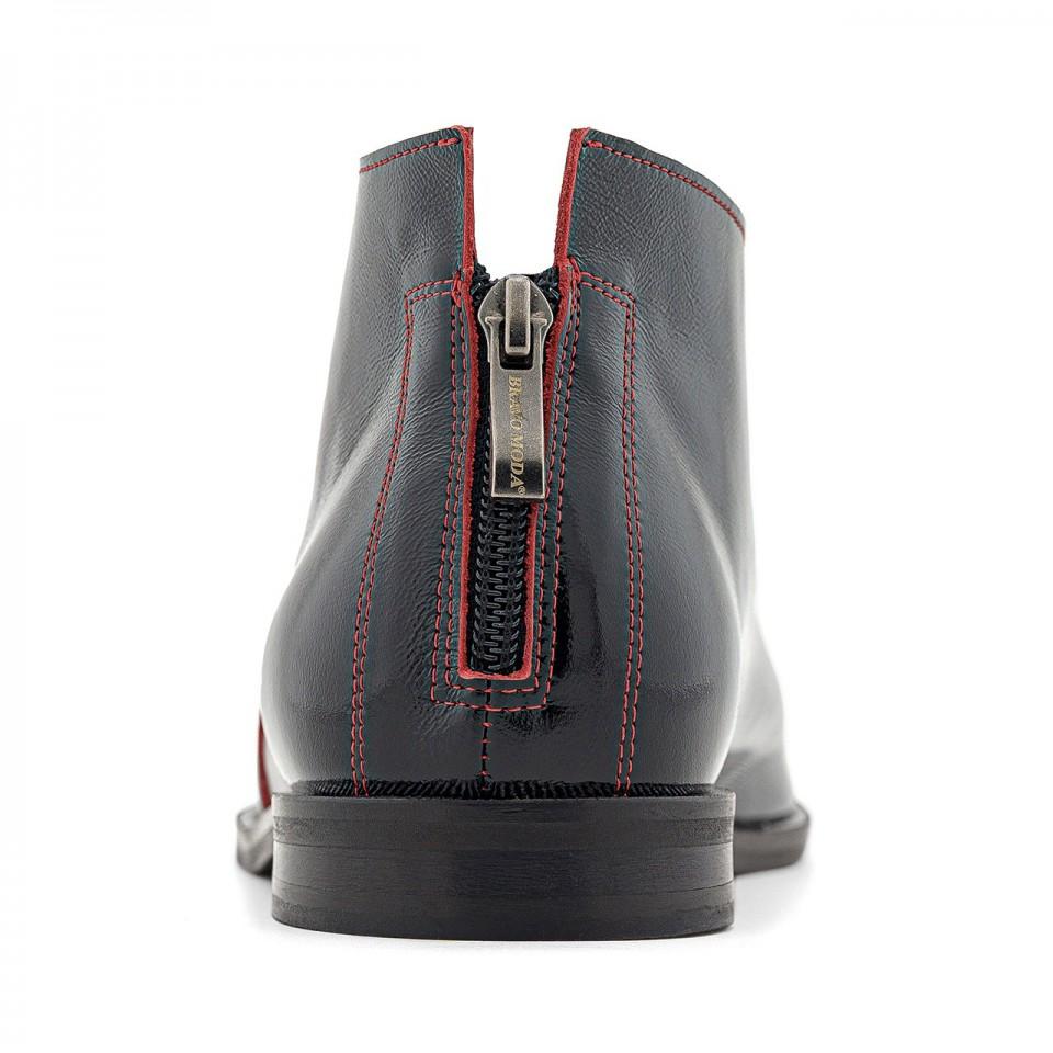 Czarne lakierowane sandały z cholewką za kostkę i wycięciem na palce