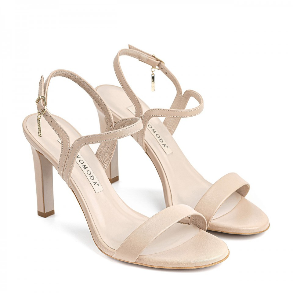 Beżowe sandały z naturalnej licowej skóry na wysokim obcasie z okrągłymi noskami